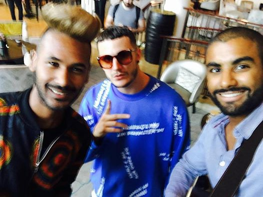 Acoustic Element pose with DJ Snake