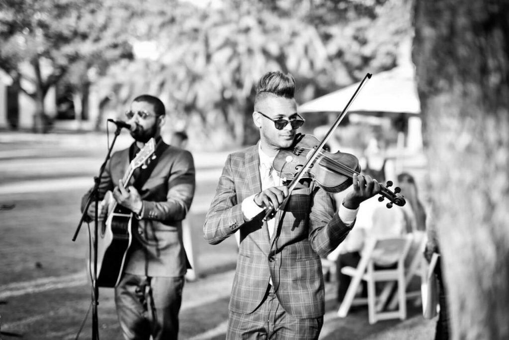Acoustic Element entertaining guests at a wedding